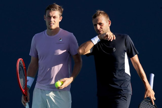 British pair (L-R) Neal Skupski and Dan Evans are one step away from the 2021 Miami Open men's doubles final. (Pic: Getty Images)