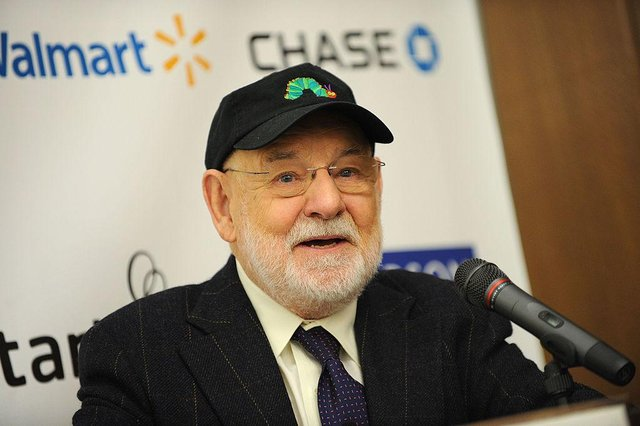 """Eric Carle attending Jumpstart's """"Read for the Record"""" at The New York Public Library, 2009, in New York City. (Photo : Jason Kempin/Getty Images for Jumpstart)"""