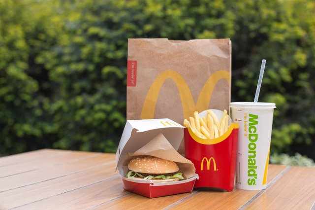 McDonald'scustomers can get 25 percent off their entire meal on Monday 10 May when they order through the fast food chain's app. (Pic: Shutterstock)