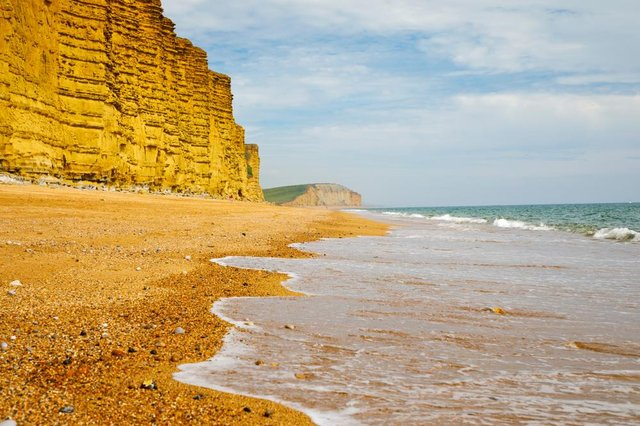 A huge landslide has taken place on the Jurassic Coast, with 4,000 tonnes of rock plummeting onto a beach in Dorset (Photo: Shutterstock)
