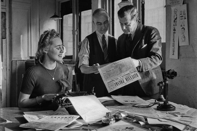 Newspaper terms have developed over the years  (Photo by Horace Abrahams/Keystone Features/Hulton Archive/Getty Images)