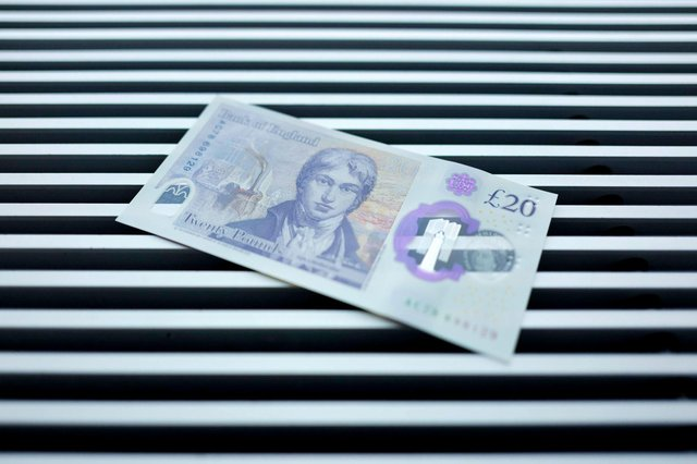 Bank of England first issued its new polymer £20 note on 20 February 2020 - but when will the old £20 notes expire? (Pic: Getty)