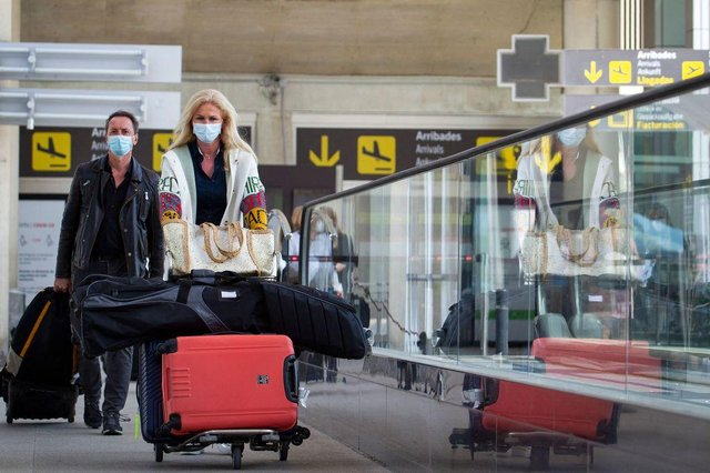 The government is urging people not to travel to amber or red list countries (Photo: Getty Images)