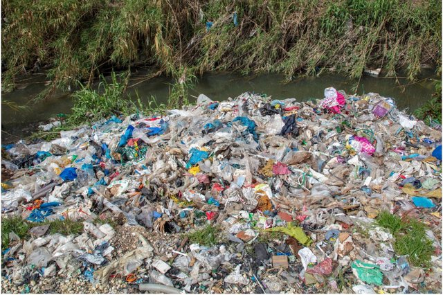 UK plastic has been found dumped in parts of Turkey (Photo: Caner Ozkan/Greenpeace)