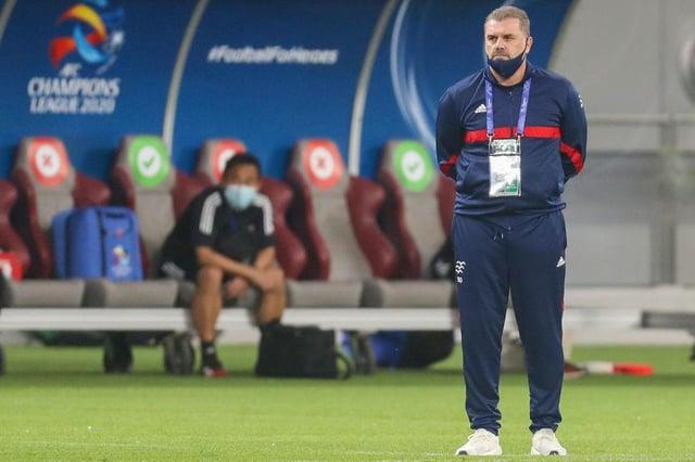 Yokohama's coach Ange Postecoglou has been named the new favourite to be Celtic boss.