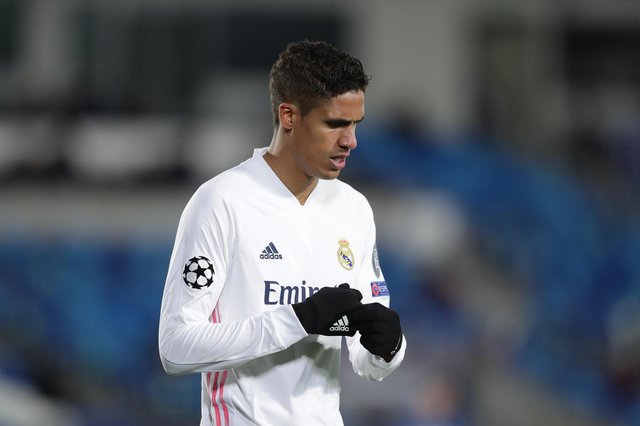 Real Madrid ace delivers message on future amid Man Utd interest