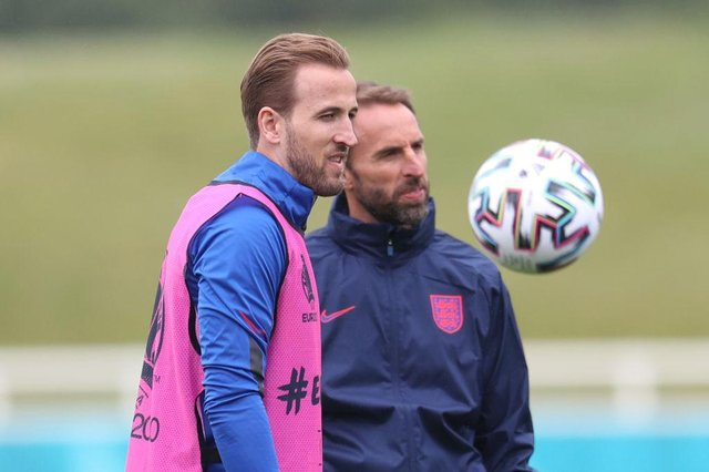 Harry Kane and Gareth Southgate. (Photo by Catherine Ivill/Getty Images)