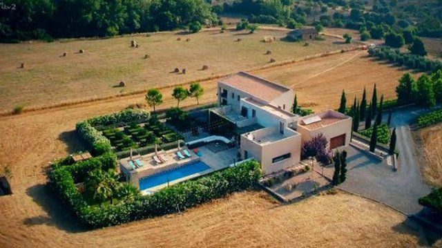 The Villa is in a remote part of Mallorca, with contestants not permitted to leave unless instructed to by producers (Picture: ITV)