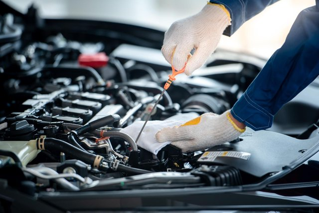 Halfords is offering free MOT tests worth up to £40 for customers. (Pic: Shutterstock)