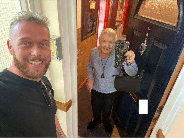 A man from Leeds in West Yorkshire has gone viral on social media after returning a lost purse to an elderly resident