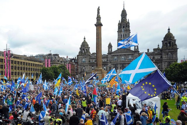 Pro-Scottish independence supporters rally in George Square in Glasgow to call for independence (Getty Images)